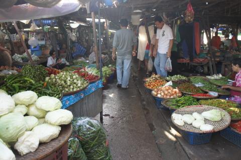 スコータイ市街の市場マーケット内画像