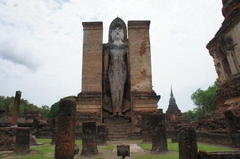 ワット・マハタート巨大な仏像画像